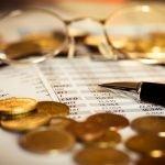 Czym różni się transakcja gotówkowa od transakcji bezgotówkowej i co to jest okres rozliczeniowy?