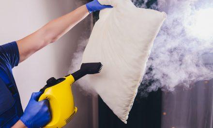 Jak szybko i skutecznie uporać się z zabrudzeniami tapicerki?