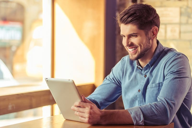 Jakie sprawy w banku załatwisz przez internet?