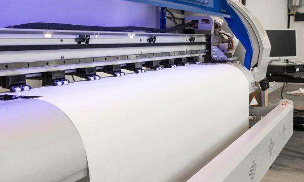 Ploter hybrydowy – wady i zalety urządzenia, które pomoże Ci przygotować wydruk wielkoformatowy