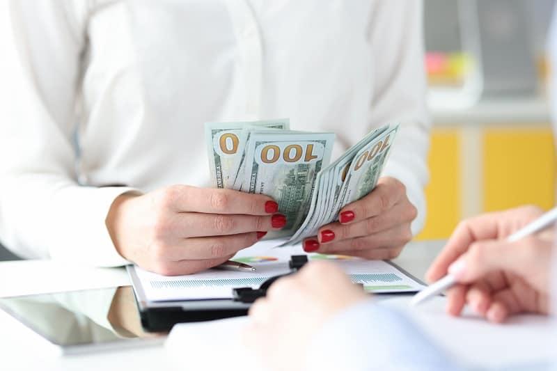 Jak zostać pośrednikiem kredytowym?